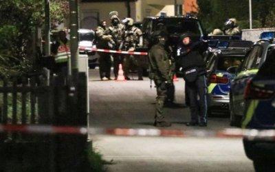 في مدينة ألمانية .. ثلاثيني يزعم أن لديه رهينة و يهدد بتفجير منزله !