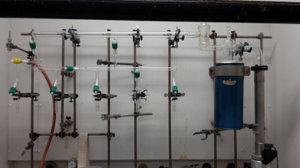 Schlenk line for polymer syntheis operating in ultra high vacuum.