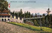 Chaumont, La gare, vue sur la Tour et les Alpes