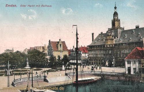 Emden, Alter Markt mit Rathaus