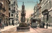 Freiburg i. B., Kaiserstraße mit gotischem Brunnen