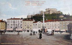 Görz, Hauptplatz mit Kastell
