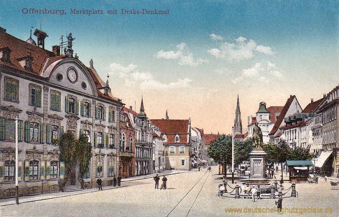 Offenburg, Marktplatz mit Drake-Denkmal
