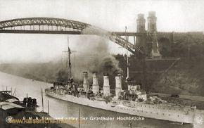 S.M.S. Stralsund unter der Grünentaler Hochbrücke