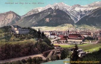 Innsbruck mit Berg Isel und Stift Wilten