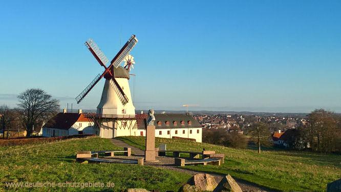 Düppeler Mühle und König Christian-Denkmal