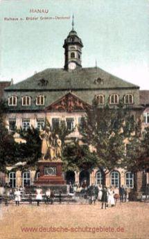 Hanau, Rathaus und Brüder Grimm-Denkmal