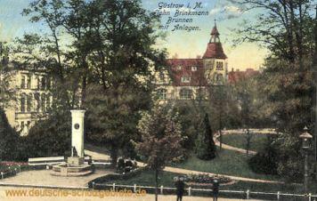 Güstrow, John Brinkmann Brunnen mit Anlagen