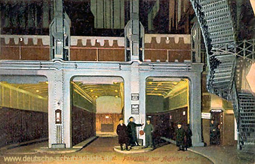 Hamburg-Steinwärder, Elbtunnel, Fahrstühle zur Abfahrt bereit