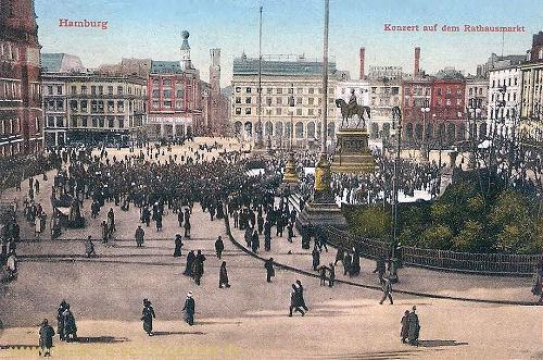 Hamburg, Konzert auf dem Rathausmarkt
