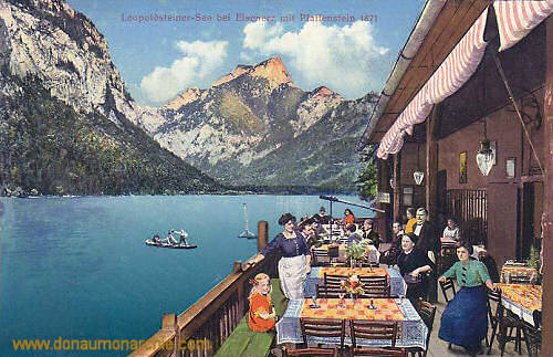 Leopoldsteiner-See bei Eisenerz mit Pfaffenstein (1871 m)