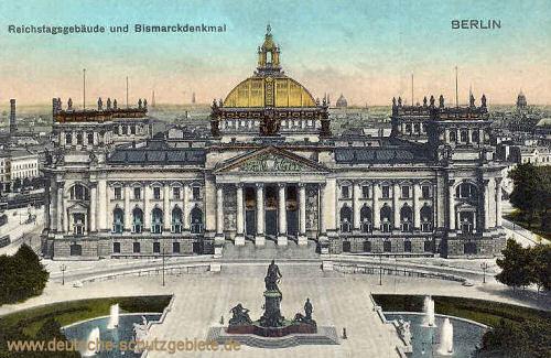 Berlin, Reichstagsgebäude und Bismarckdenkmal