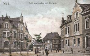 Wald (Rheinland), Halfenmeyerplatz mit Postamt
