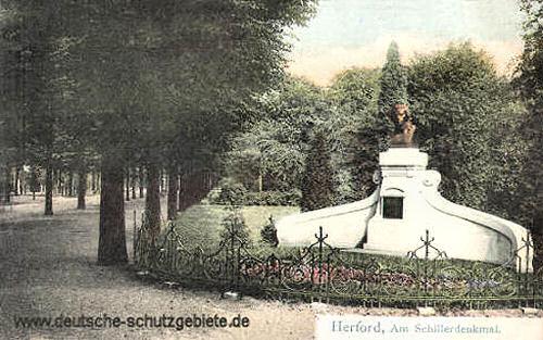 Herford, Am Schillerdenkmal