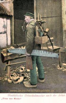 Minden i. W., Westfälischer Holzschuhmacher nach der Arbeit