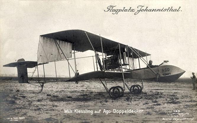 Flugplatz Johannisthal, Wilhelm Kiessling auf AGO-Doppeldecker