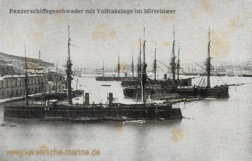 Panzerschiffsgeschwader mit Volltakelage im Mittelmeer
