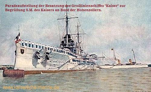 """S.M.S. Kaiser, Paradeaufstellung der Besatzung des Großlinienschiffes """"Kaiser"""" zur Begrüßung S.M. des Kaisers an Bord der Hohenzollern."""