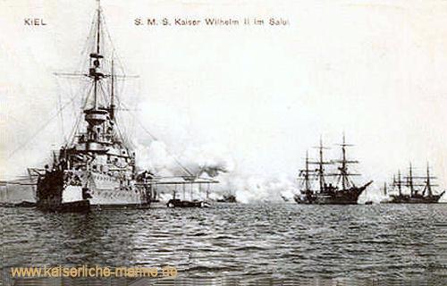 S.M.S. Kaiser Wilhelm II. im Salut