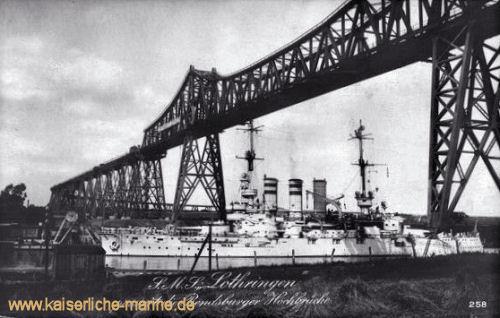 S.M.S. Lothringen passiert die Rendsburger Hochbrücke