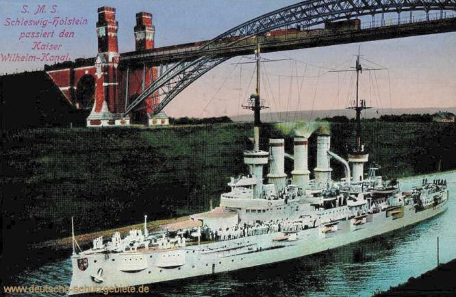 S.M.S. Schleswig-Holstein passiert den Kaiser Wilhelm-Kanal