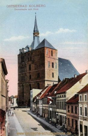 Kolberg, Domstraße mit Dom