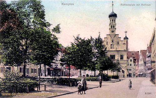 Kempten, Rathausplatz mit Rathaus