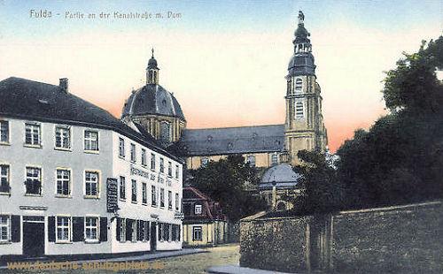 Fulda, Partie an der Kanalstraße mit Dom