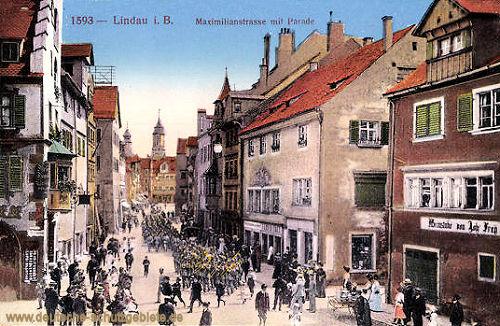 Lindau, Maximilianstraße mit Parade