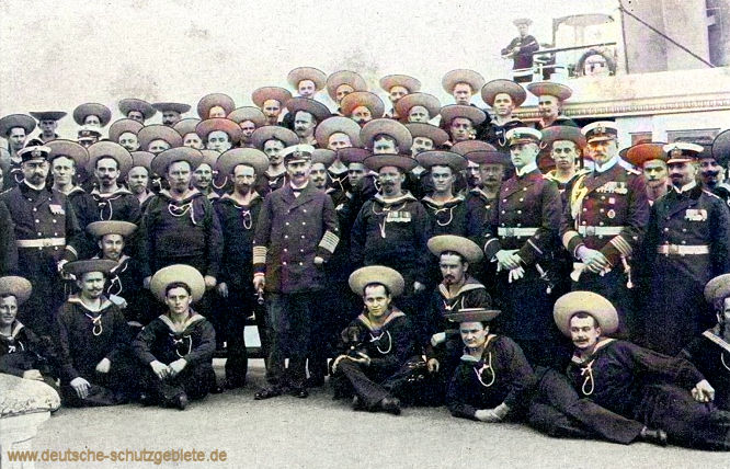 Kaiser Wilhelm II. mit Hohenzollernmannschaft Kommandant K. z. S. Graf Platen.