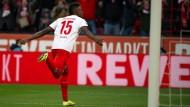 Köln hebt ab: Jhon Cordoba trägt zum Sieg bei.