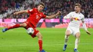 """Thomas Müller am Ball: er vermisste am Ende """"den gewohnten Siegeswillen""""."""