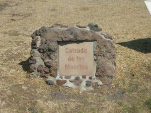 Calzada de los muertos - Teotihuacan