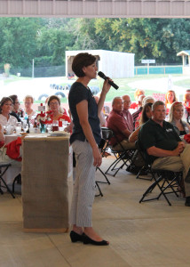 Lt. Gov. Kim Reynolds speaks to Orchard dinner guests.