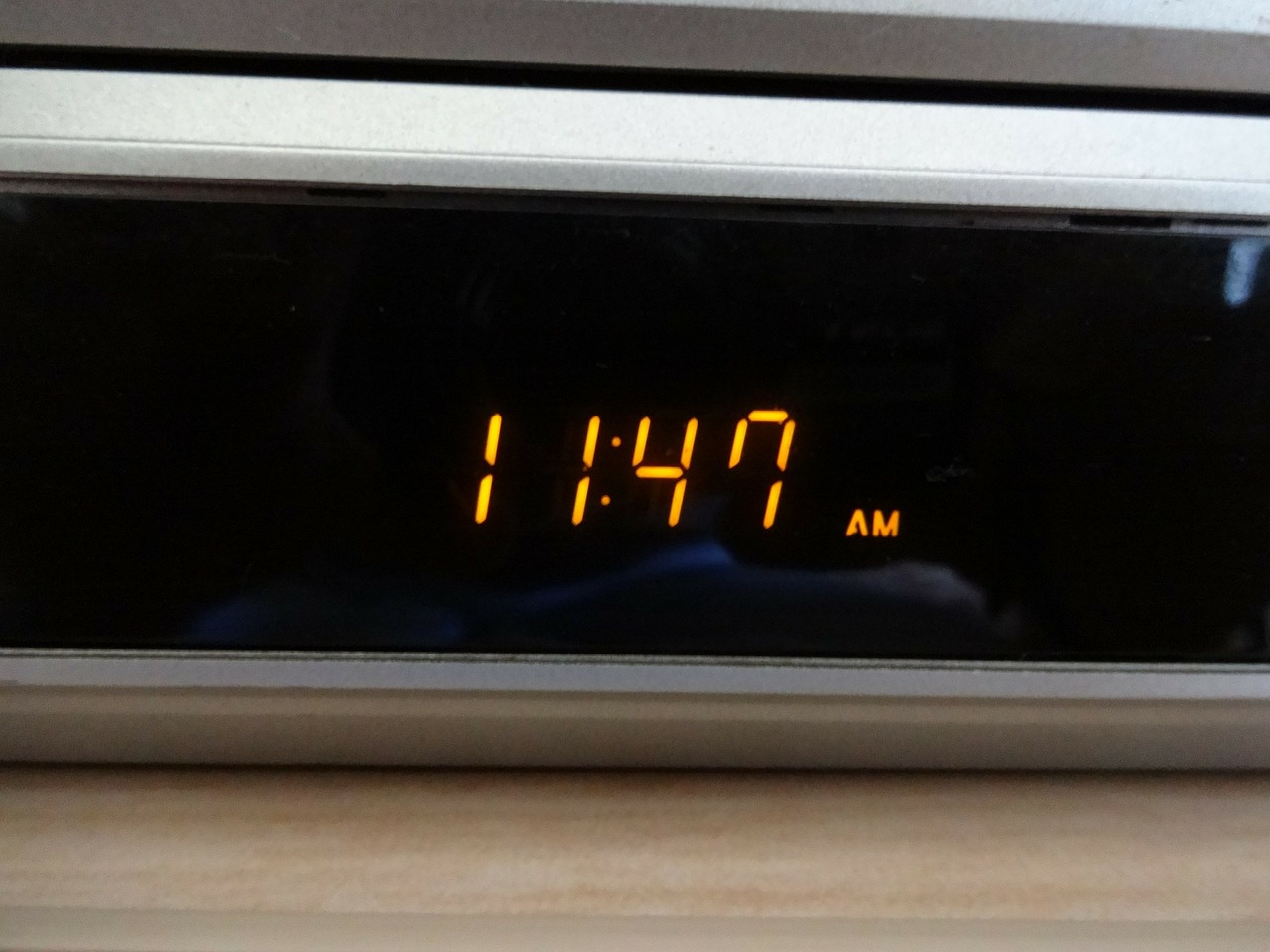 Digital clock (all in only one document)