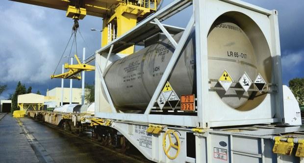 train nuclear cargo 620x332 - Деловые Решения — особенности ж/д перевозок по России через крупнейшую в своей сфере компанию