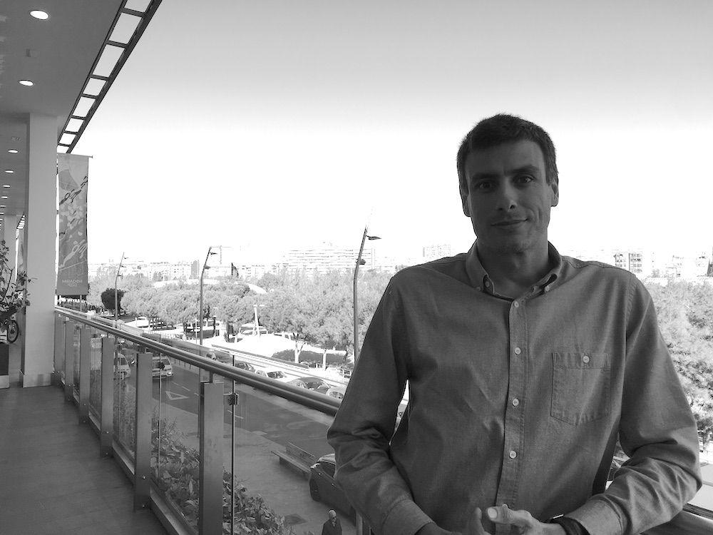 """Antonio Gallego: """"Una cosa que a los ingenieros no nos enseñan, bueno, a nadie, es a gestionar a personas"""" – DÉVÉ"""