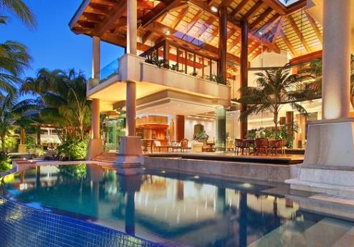 15 Most astounding celebrity mansions
