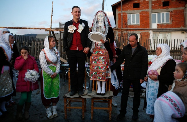 Bulgarian wedding outfit
