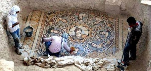 Archaeologists make spectacular Discovery of ancient Greek Mosaics in perfect condition