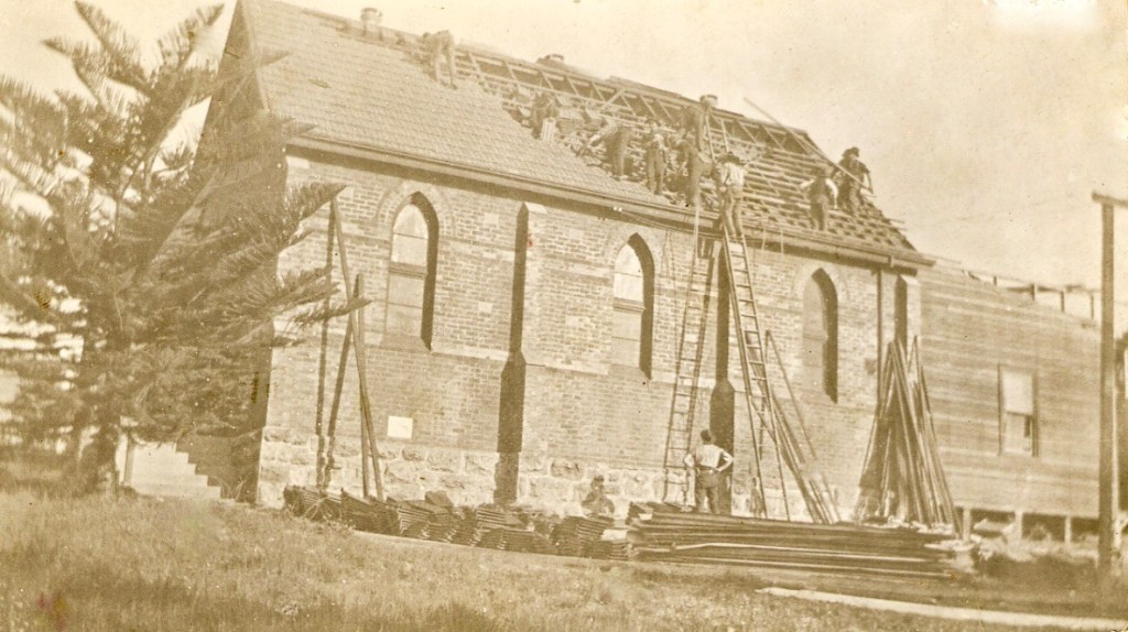 Retiling the roof of Victoria Park Congregational Church, c.1920.