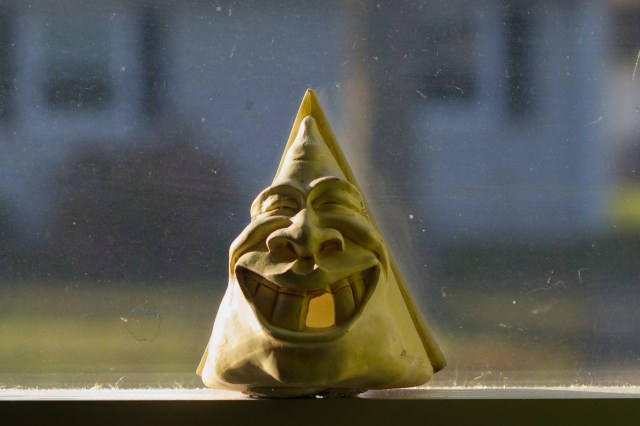 happy face windowsill