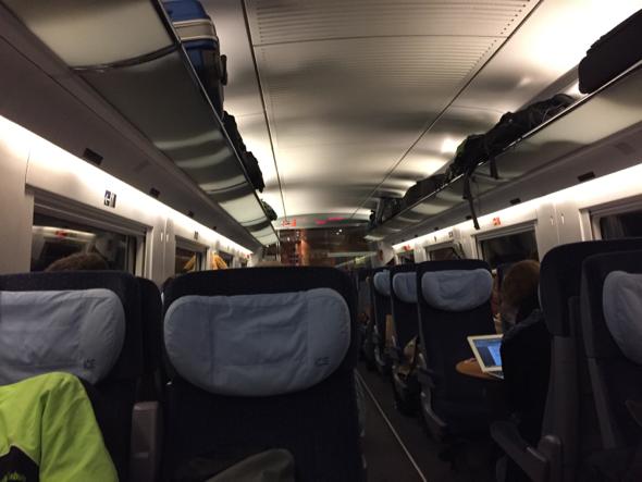 Interior del tren ICE de Frankfurt a Berlin.