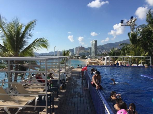 Alberca del Hotel Fiesta Americana Villas de Acapulco