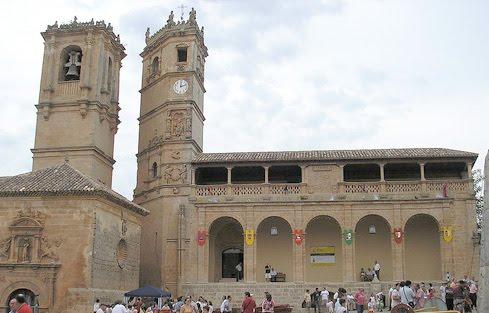800px-Alcaraz_Plaza_-Albacete