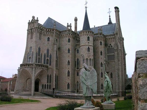 Astorga, Gaudí y el Camino de Santiago