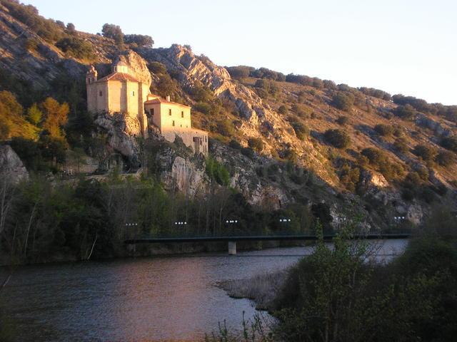 Ermita de San Saturio: vistas privilegiadas al Duero