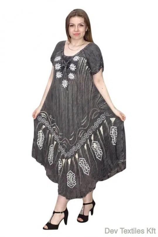 Rövid ujjú hosszú ruha Indiából keleti mintákkal