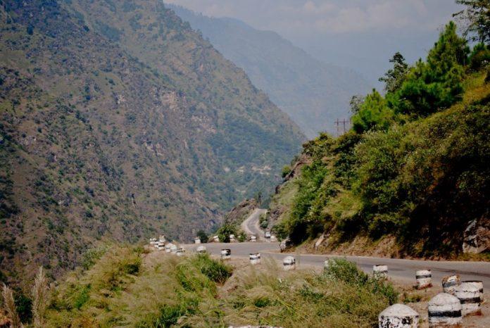 Roads on the way to Chindi - Karsog from Shimla