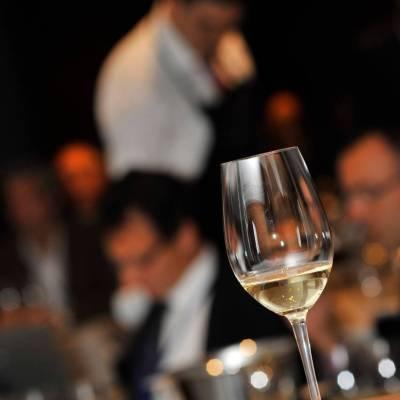 Copa de vino blanco. DeVinoCatas